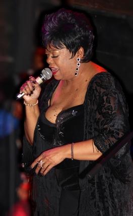 Lucille_Singing_Blk_Velvet